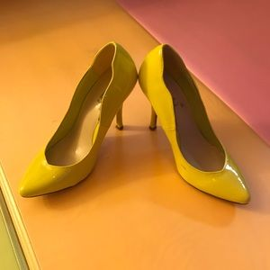 Breckelles Yellow pumps. Great condition.